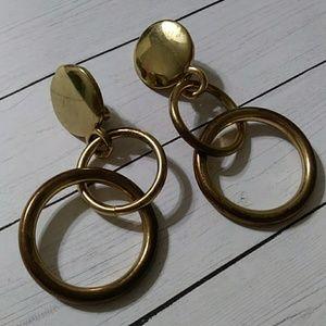 Jewelry - Goldtone dangle clip on earrings